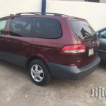 Toyota Sienna 2002 Red