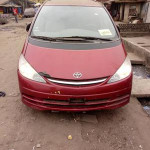 Toyota Previa 2002 Red