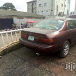 Toyota Camry 2000 Red