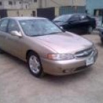NISSAN ALTIMA FOR SALE 600,000 KINDLY CONTACT 08104874323
