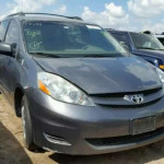 CLEAN TOYOTA SIENNA (2006) FOR SALE