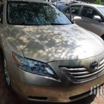 Clean Toyota Camry XLE 2009 Gold