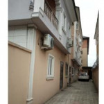 2 bedroom flat for rent Queen Street, Alagomeji, Yaba, Lagos
